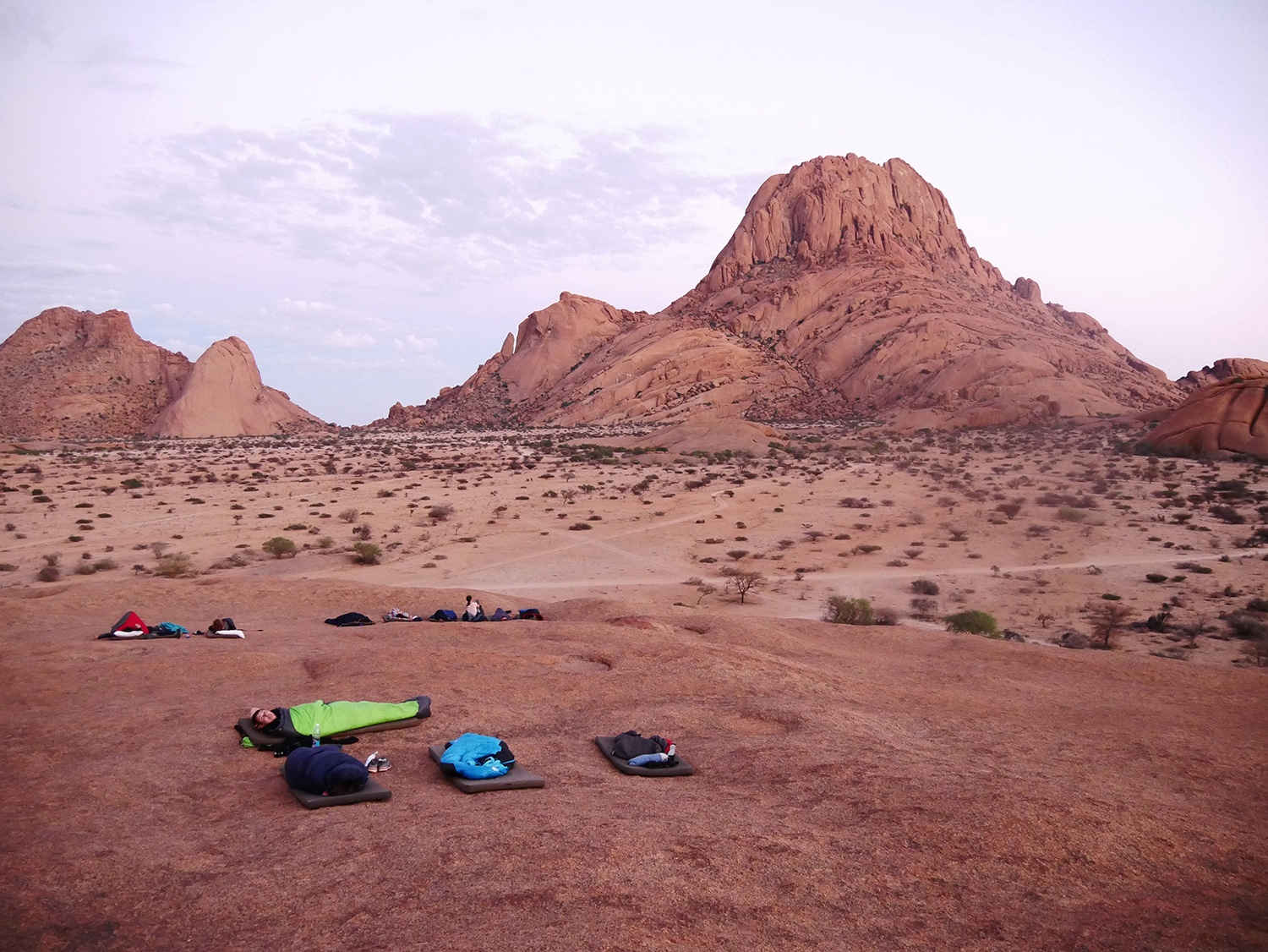 A tough but spectacular camp trip under the Spitzkoppe (Namibia)