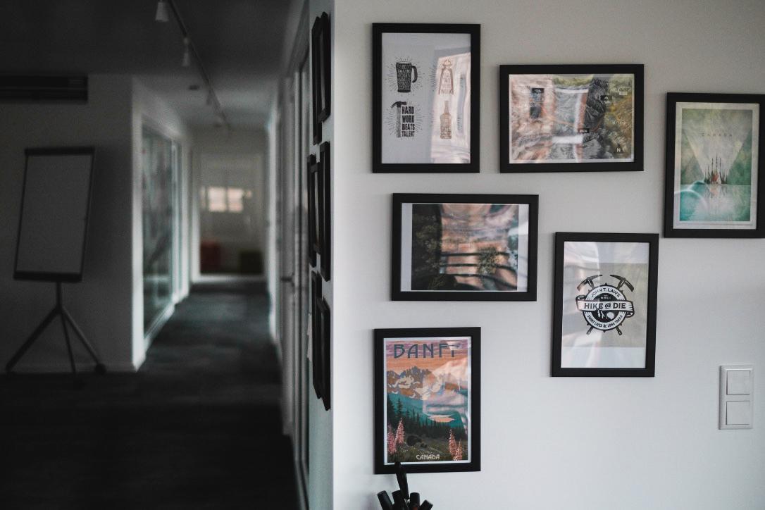 //SEIBERT/MEDIA hallway